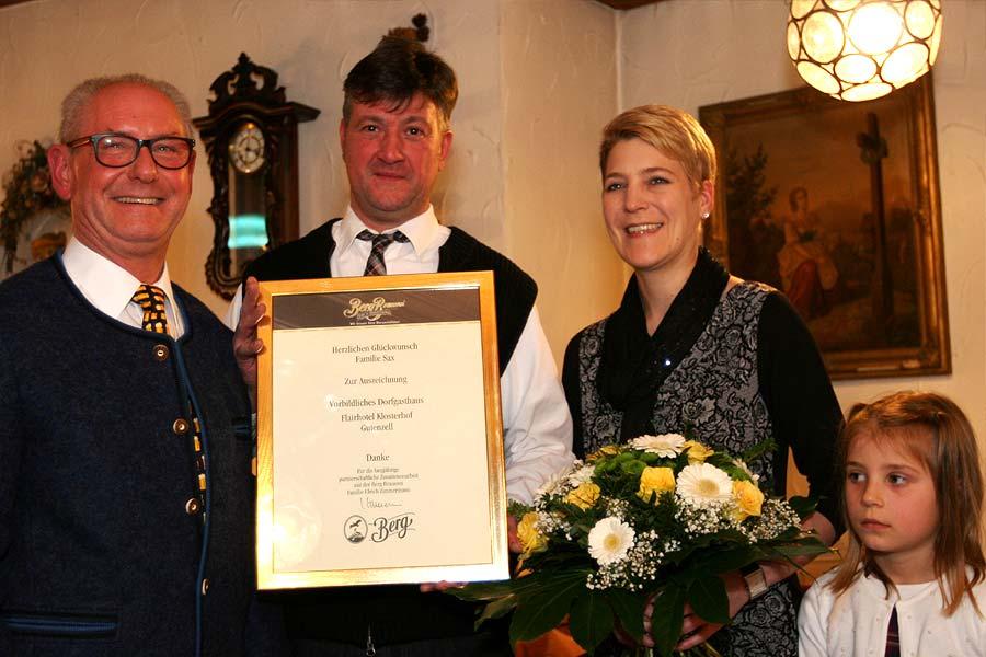 Familie-Sax-Auszeichnung-Klosterhof-Gutenzell-900x600