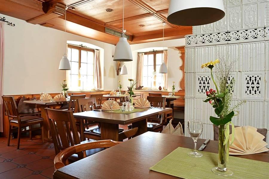 Restaurant 02 Klostestube - 94881654 900x600